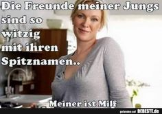 Die Freunde meiner Jungs sind so witzig mit ihren Spitznamen. Blacker Than Black, Good Humor, Funny Animal Pictures, Man Humor, Satire, Really Funny, My Boys, Comedy, Funny Memes