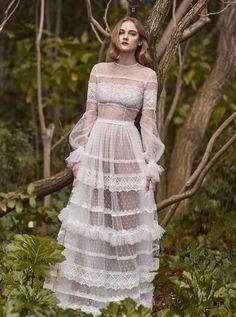 140 Best Bohemian Wedding Dresses - Boho Wedding Dress Ideas for Hippie Brides Boho Wedding Dress Bohemian, Boho Bride, Boho Dress, Lace Dress, Wedding Dresses 2018, Dress Wedding, Prom Dress, Mode Boho, Illusion Dress