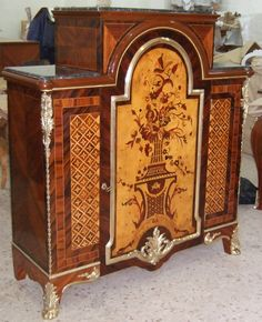 Bon A Very High Quality Reproduced French Regency Style Veneer And Marquetry  Meuble Du0027 Appui From