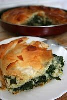 Romanian Food For Foreigners: Placinta cu spanac si branza / Spinach and Cheese Pie - looks soooo good! Spinach Pie, Spinach And Cheese, Frozen Spinach, Brunch Recipes, Breakfast Recipes, Dinner Recipes, Brunch Ideas, Dinner Ideas, Vegetarian Recipes