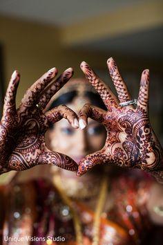 Rosey Indian Wedding by Sasha Photography, San Francisco, California - Maharani Weddings Hindu Wedding Ceremony, Desi Wedding, Wedding Day, Wedding Photos, Beaded Wedding Gowns, Mehndi Photo, South Asian Wedding, Henna Art, Mehendi