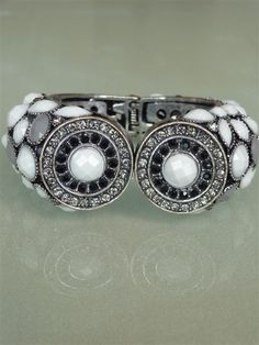 NEW!!!  .::: marvelous chic black and white bracelet :::. one of a kind.