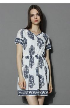 d66771e0cd Behold the Beauty Floral V-neck Dress - Retro