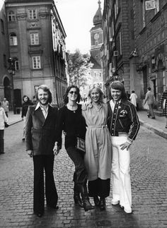 ABBA, pop, music, singers, musician, musiker, musik, dancing, classic tunes, photo, black and white, city, people, celeb, never forget