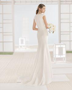 WONKA vestido novia en color natural.