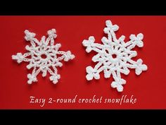 Instructions for making an easy crochet snowflake that has only two rows of crochet. Both a free written pattern and a step by step videotutorial. Free Crochet Snowflake Patterns, Christmas Crochet Patterns, Crochet Snowflakes, Crochet Christmas Garland, Christmas Snowflakes, Christmas Angels, Crochet Ornaments, Christmas Christmas, Crochet Angels