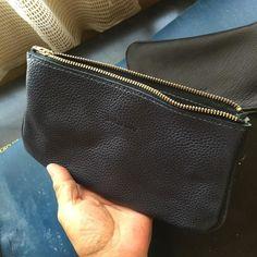 インナーバッグ青と黒 #dullesbag #wallet #pen #leathercraft #moleskine #ダレスバッグ by dullesclub