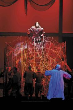 Don Rodrigo interpretato dallo straordinario Giò di Tonno