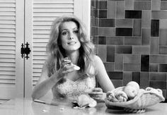 Catherine Deneuve in La sirène du Mississipi directed by François Truffaut, 1969