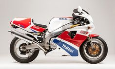Yamaha FZR750R OW01