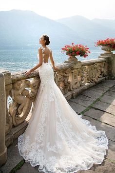 Lace mermaid wedding dress with magnificent neckline.- Abito da sposa a sirena in pizzo con magnifica scollatura. Lace mermaid wedding dress with magnificent neckline. Bridal Wedding Dresses, Dream Wedding Dresses, 2017 Wedding, Spanish Wedding Dresses, Mila Nova Wedding Dress, Modest Wedding, Trumpet Style Wedding Dress, Wedding Ceremony, Wedding Dressses