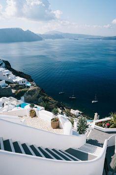 The Ultimate Guide to Santorini, Greece | Bon Traveler #greecetravel