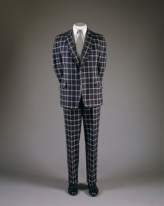 I <3 Bill Blass, an American designer  (1922–2002) The late 1960s prompted significant change in menswear, the new paradigm was the Regency and Edwardian dandy. Assertive plaid wool suit worn by the Duke of Windsor.