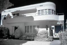 Vogue Apartments - Santa Monica, CA Arte Art Deco, Estilo Art Deco, Art Deco Era, Art Nouveau, Santa Monica, Amazing Architecture, Architecture Design, Streamline Moderne, Art Deco Buildings