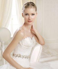 INDALINA » Wedding Dresses » 2014 Dreams Collection » La Sposa (close up)