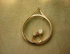 Wedding Ring Necklaces, Wedding Rings, Metal Jewelry, Gemstone Jewelry, Soldering Jewelry, Sparkly Jewelry, Pendant Design, Wedding Sets, Diamond Pendant