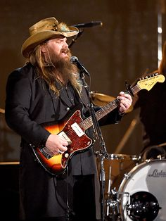 Hot: Chris Stapleton Will Spend the Fourth Of July Performing for 40000 Troops: 'I Can't Think of a More Appropriate Thing to Do' Country Music Artists, Country Music Stars, Country Singers, Celebrity Outfits, Celebrity Pictures, Celebrity News, Billy Gibbons, Outlaw Country, Chris Stapleton