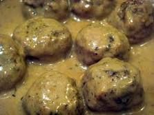 Ikea Meatballs in the crockpot!  Super easy, totally trying it this week!!