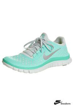 pretty nice 49e24 af84a Ropa De Entrenamiento, Ropa Deportiva, Zapatos Cómodos, Botas, Nike Mujer  Tenis,