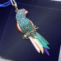 Bird pendant Exquisite Colourful Parrot Pendants Necklace