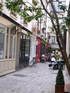 Passage Molière, 157 rue Saint-Martin/82 rue Quincampoix, Paris 3e (near Métro Rambuteau)