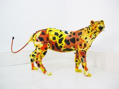 Animal Sculptures Created Using Trash Found at the Beach by Gilles Cenazandotti. French sculptor and environmentalist Gilles Cenazandotti has a collection Plastic Beach, Plastic Art, Plastic Recycling, Trash Art, Grid Design, Animal Sculptures, French Artists, Art Pictures, Photos