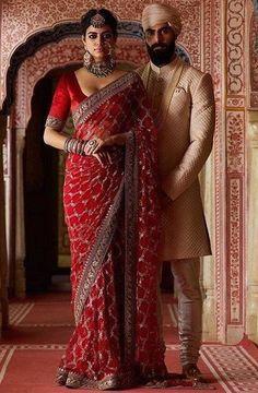 Sabyasachi Sarees Price, Georgette Sarees, Silk Sarees, Bollywood Lehenga, Bollywood Fashion, Golden Saree, Asian Inspired Wedding, Sarees For Girls, Girls Party Wear