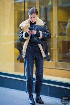 Jo Ellison by STYLEDUMONDE Street Style Fashion Photography Source by FlauntandCenter fashion photography Street Style 2016, Street Chic, Street Looks, Aviator Jackets, Fashion Photography Inspiration, New York Fashion, Style Fashion, Winter Looks, Autumn Winter Fashion