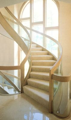 Laminated Glass Uses Do you want to make the railings in your home or business stand out? You can do it by utilizing laminated glass in your railing systems. Glass Design, Wood Design, Laminated Glass, Curved Glass, Custom Glass, Glass Panels, Stairs, Woodworking, Railings