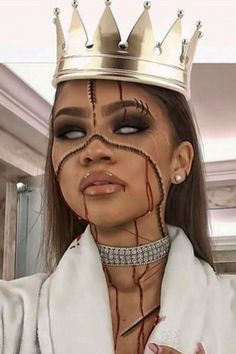 EVERY Epic Halloween Costume From Your Favorite Celebrities Halloween Makeup halloween makeup zendaya Halloween Outfits, Epic Halloween Costumes, Best Celebrity Halloween Costumes, Cute Halloween Makeup, Halloween Inspo, Halloween Looks, Couple Halloween, Disney Halloween, Halloween Activities