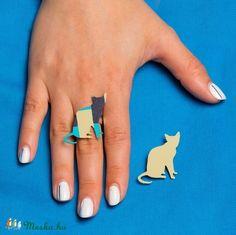 Bámészkodó cica gyűrű, kitűző, medál és fülbevaló (PrettyPaw) - Meska.hu