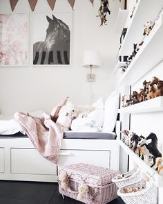 #Kinderzimmer - #Girlsroom - #Mädchenzimmer - #Ikea - #Busunge - #Altrosa - #Schleich