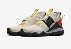 It seemed as if people would lose interest in the Nike KMTR once it detached from the Nike ACG label. The shoe is still going strong without the bran Nike Shoes, Sneakers Nike, Sneaker Magazine, Nike Acg, Discount Nikes, Sport Fashion, Fashion Fashion, Runway Fashion, Fashion Ideas