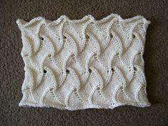 Free Pattern: Lush-ious Swirl Cowl by Linda Frydl