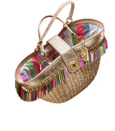 I LOVE this purse....too bad I can never afford it....