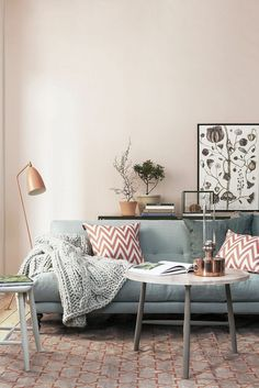 DECORATING WITH NEUTRALS