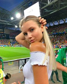 Pictures Of Beautiful Girls And 2018 World Cup Babes - PersianUp Girls Soccer, Soccer Fans, Sporty Girls, Football Fans, Selfies, Girls With Abs, Instagram Girls, Models, Girl Day