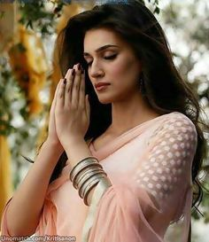 """Kriti Sanon Set to Start Shooting for 'Dilwale'; Shah Rukh Khan Wishes her Good Luck. Actress Kriti Sanon is all excited to start shooting for Rohit Shetty's next venture """"Dilwale"""".... Like : http://www.unomatch.com/Kritisanon/  ✔ ✔ ★THANKS , ✔ ★ FRIENDS *, ✔ ★ FOR ★, ✔ LIKE *, ✔ ★ & *, ✔ ★COMMENTS ★  #KritiSanon #bollywood #Actress #beautifulnewimages #NewpicsALia #Createpage #fanpage"""