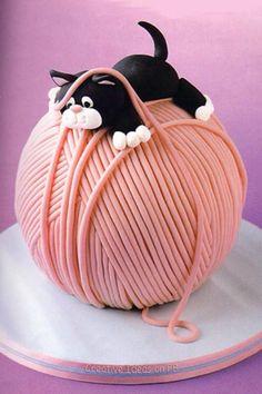 Poes-op-bol-wol-taart schattige taart