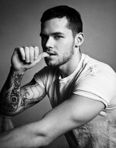 Tattooed Men Eye Candy : theBERRY