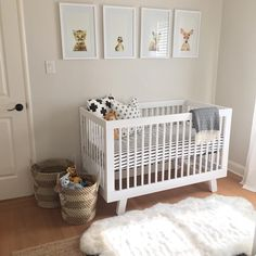 Complete with cozy comforts, this nursery is ready for baby! Fox Nursery, Nursery Design, Baby Design, Baby Bedroom, Kids Bedroom, Kids Rooms, Nursery Themes, Nursery Decor, Sister Room