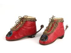 Child's shoes in red leather with a kid and silk lining and gold thread edging and laces embroidered with the Royal personal crest of King Frederick William II of Prussia, Germany. The shoes are fitted with period silver-leaf spurs. Vintage Shoes, Vintage Outfits, Vintage Fashion, Antique Clothing, Historical Clothing, Icon Shoes, 18th Century Costume, 18th Century Fashion, Frederick William