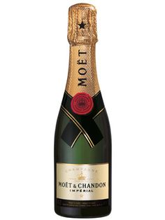 21 Best Wedding Party Gifts - Gifts for Bridesmaids Best Champagne, Mini Champagne Bottles, Vintage Champagne, Champagne Cake, Pinot Noir, Brides And Bridesmaids, Bridesmaid Gifts, Moet Imperial, Wedding Gifts For Guests