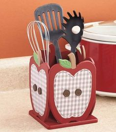 Country-Red-Apple-Die-Cut-Utensil-Holder-Checkered-Buttons-Kitchen-Decor