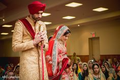 Adorable Sikh bride and groom. https://www.maharaniweddings.com/gallery/photo/140719