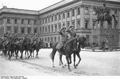 """Ulicami Warszawy: """"BYŁ KIEDYŚ PAŁAC SASKI..."""", CZYLI HISTORIA PAŁACU, KTÓREGO JUŻ NIE MA."""