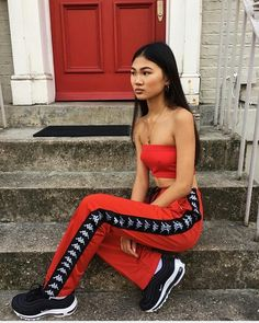 Young women fashion trends and style in 2018 and 2019 1990s Fashion Trends, Fashion Lookbook, Fashion 2018, Outfit Goals, Facon, Fashion Killa, Fashion Outfits, Womens Fashion, Urban Fashion