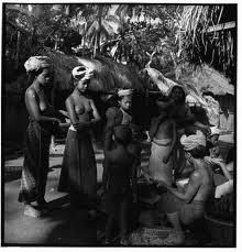 All Information About Bali Island Bali Girls, Indonesian Women, Old Photography, Tribal Women, Ancient Beauty, Borneo, World Cultures, Vintage Pictures, Old Photos