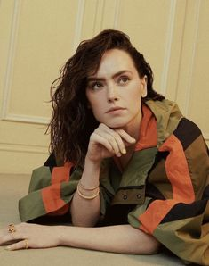 Daisy Ridley English Actresses, Actors & Actresses, Daisy Ridley Star Wars, Rey Daisy Ridley, Driving Miss Daisy, Star Wars Sequel Trilogy, Celebrity Magazines, Rey Star Wars, Manga