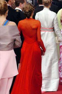 DINASTÍAS   Los Foros de la Realeza • Ver Tema - Vestidos de Gala de la Reina Letizia